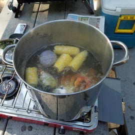 Fresh caught crab, corn on the cob and spud boil.