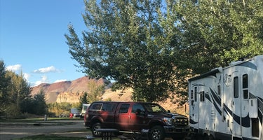 Challis Hot Springs Campground and RV Park