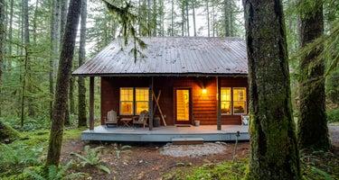 Glacier Springs Cabin #12 - Mt. Baker Lodging