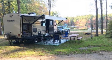 Ayers Lake Farm Campground and Cottages