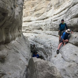 A rock you'll climb under or over on the hike in the canyon