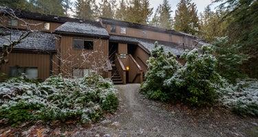 Snowater Condo #68 - Mt. Baker Lodging