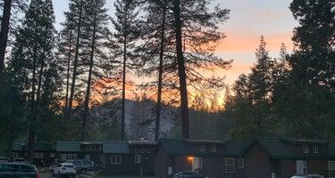 Yosemite Lakes Park Campground