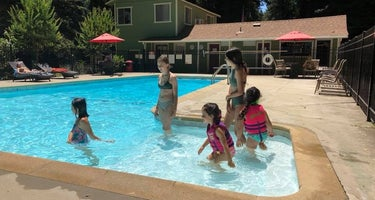 Redwood Resort RV Park & Campground