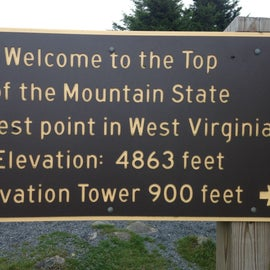 Parking lot signage at the top of Spruce Knob
