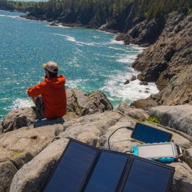 Lunch stop and quick recharge along the coastal path.   Loving our new E. Power bank and 21W foldable solar panel for keeping the camera and phone charged up!