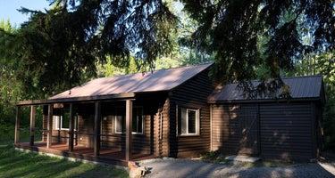 Zips Place Cabin