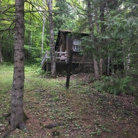 We think this is 3 Fingered Willie's old cabin, but didn't dare to check it out too closely!