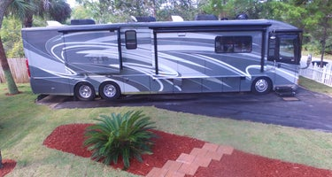 3 Bedroom Vacation home, with Full hookup Camper pad.