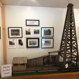 Oil rig diorama in park museum