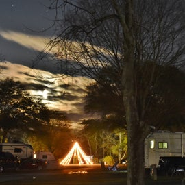 Since it was so close to Christmas, the campground had a few Christmas lights up.