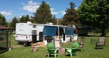 Spruce Row Campsite