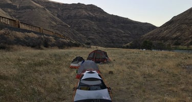 Hike in from Lower Deschutes State Rec Area
