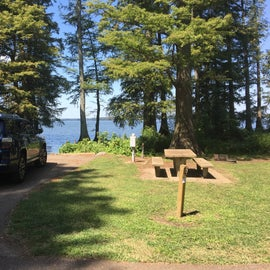 Several sites are right on the lake so you can launch or fish from your site.