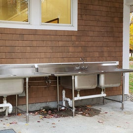 Dishwashing sink, though it's a long walk from the campsites with dirty dishes!