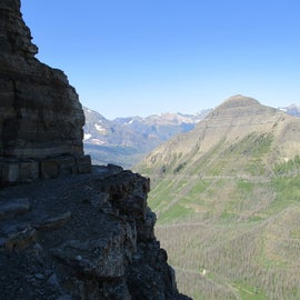 yes that is the trail, around that ledge. Your view is basically Heaven.