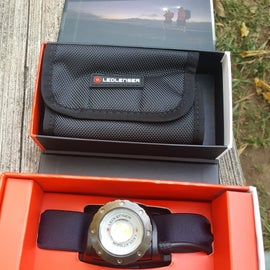Great boxing and comes with a great compact pouch for the headlamp and accessories