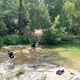 Nearby Spicewood Springs