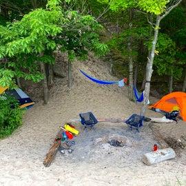 Amazing pre-defined campfire setup.