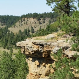 Cliff top view from the northwestern edge of the Picnic Springs campground