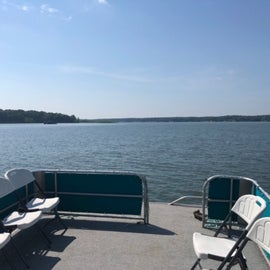 Had to get a pontoon boat for the day. Closet marina is Findlay Marina about 15 minutes from the campground.