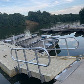 Some boat rentals, kayaks and paddle boats are also available.