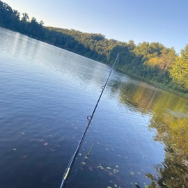 Fishing Location with easy access to a parking location. Caught Blue Gill only.