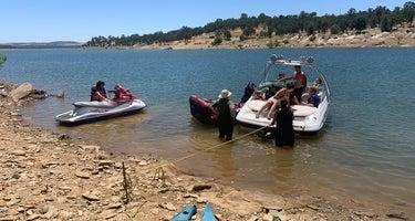 COE New Hogan Lake Acorn Campground
