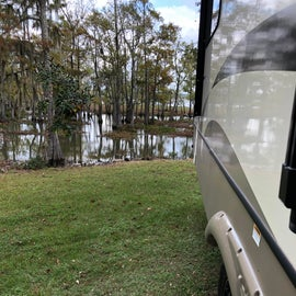 Lake right behind the rig.