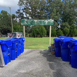 Finally, an RV park to offer recycling service!!
