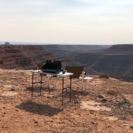 Camp at the edge of the precipice / view