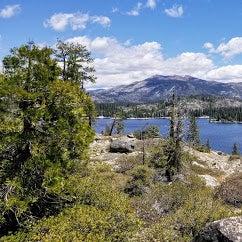 Hike along the lake