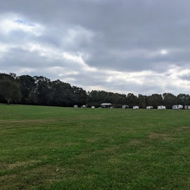 View from the entrance of the park gate. Those are the pull-through sites. There are three rows of camp sites.