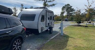 Raleigh Oaks RV Resort & Cottages