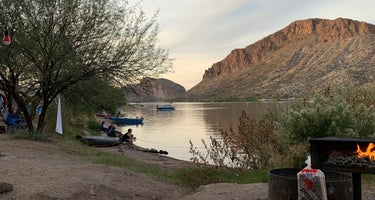 Canyon Lake Marina & Campground