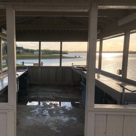 Fishing cleaning pavilion