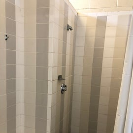Showers looked clean