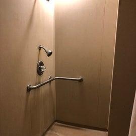 Shower in Loop A