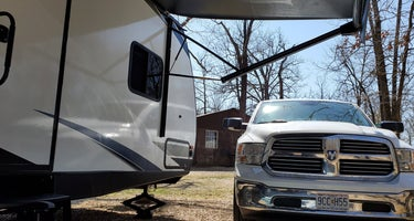 Majestic Oaks Family RV Park & Campground