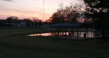 Parkers Crossroads RV Park and Campground