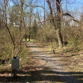 Trail between 13/14 to bathhouse