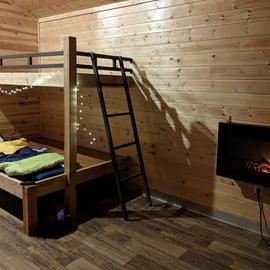 Heated cabin