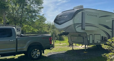 Green Wood Stable Lodge RV Park