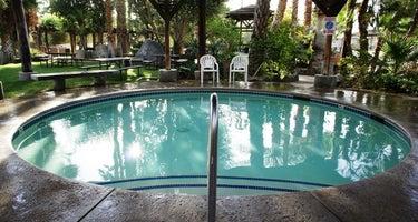 Sam's Family Spa RV Resort & Motel
