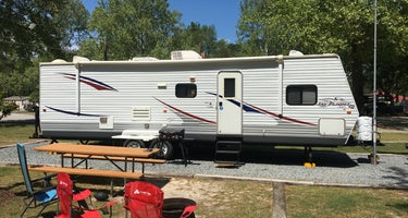 Fayetteville RV Resort & Cottages