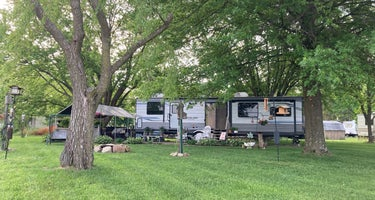 Maple Lakes Campground