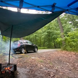 making a plan when it rains and you stil want to cook dinner over the fire
