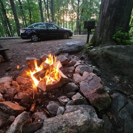 easy parking right next to cabin