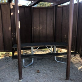 Table & Wind Guard