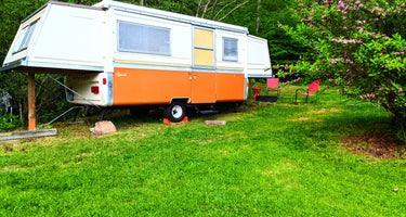 The Apache Vintage Pop-up at Camping on Cloud 9
